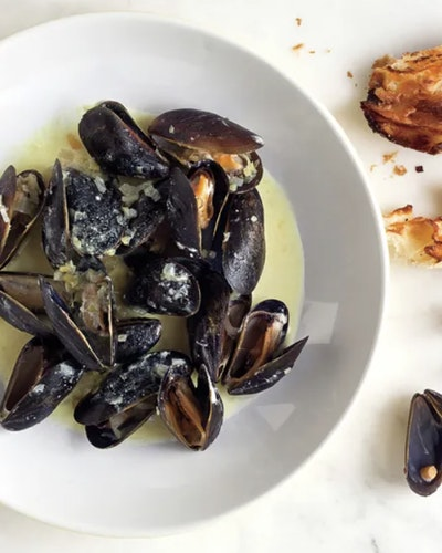 BBQ Mussels with RS Chardonnay Recipe Photo